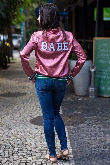 Jaqueta bomber: 11 looks cariocas para não abandonar o casaco na primavera