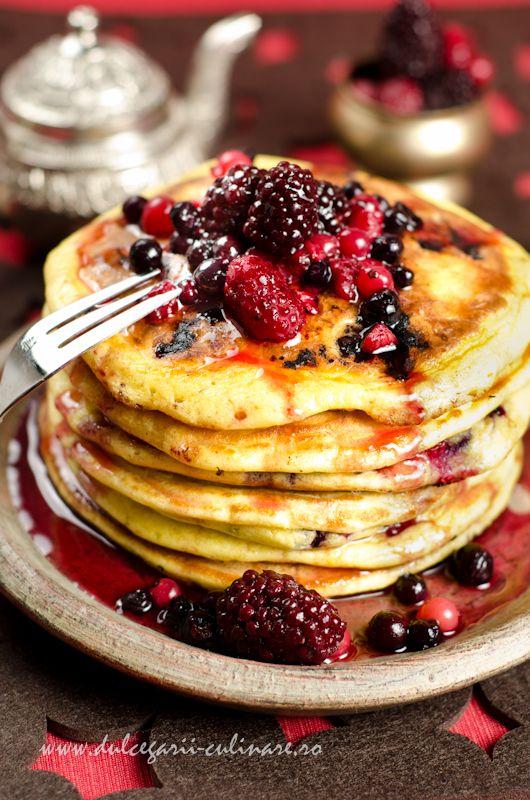 Pancakes w/ wild berries