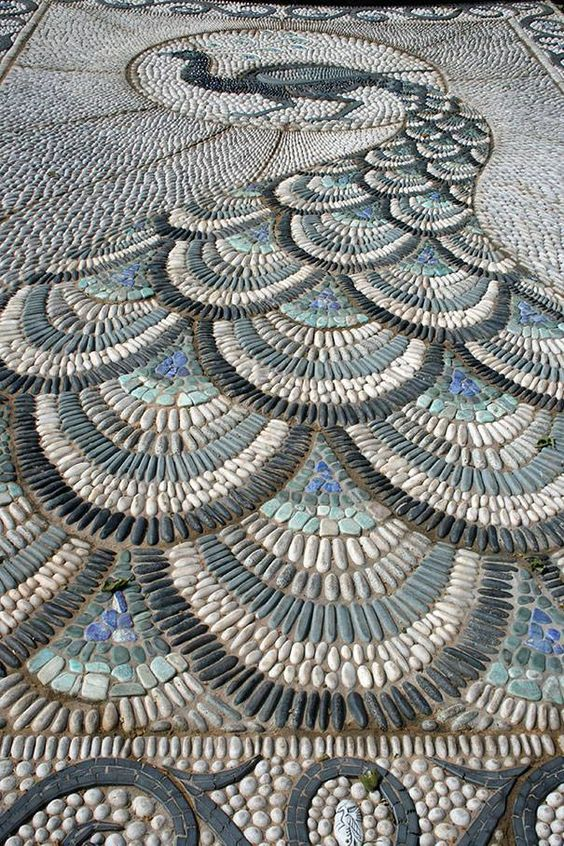 Nice: Pebble Mosaics art