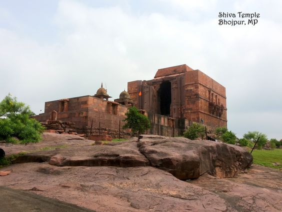 Bhojpur, along the banks of a river on the cliff is this half finished temple. Within in lies a 40 ft Shivling. Around the temple you will find carved into the rock surfaces the original designs of the temple in the olden days. One story says that during construction of the temple top, one of the slabs of rock fell on the Shivling, and hence the temple was never finished. Another story, tells us that in midst of construction a war broke out and all the workers were called away and it ws…