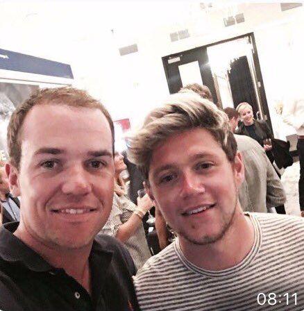 Niall with a fan in Minnesota