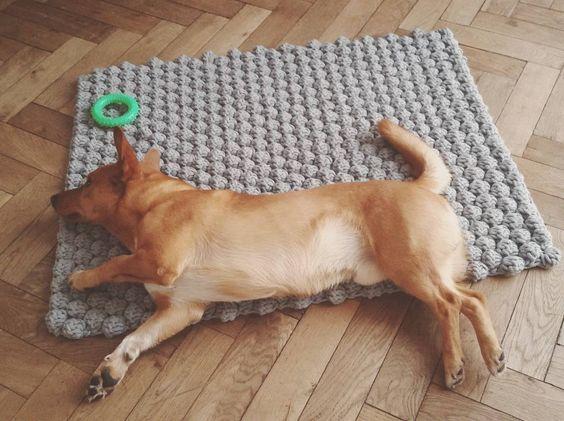 коврик из шнура для вязания