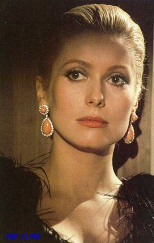 Catherine Deneuve - I want her earrings: