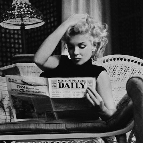 Marylin Monroe Reading A Magazine Black White Photography Vintage Black And White Aesthetic Black And White Picture Wall