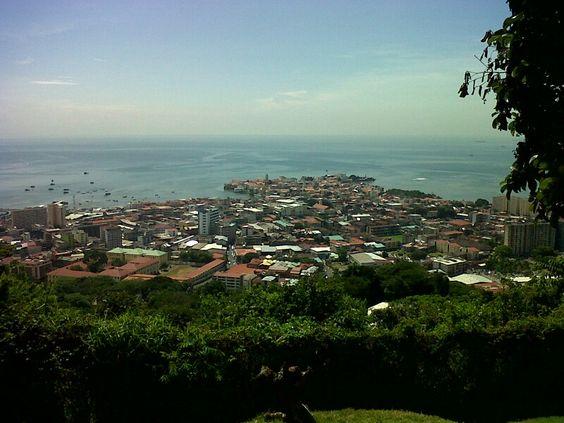 Vista de Panama desde cerro Ankon