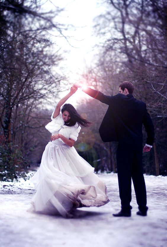 Rosie Hardy wedding workshop January 2013 in the snow! Copyright Livvy Hukins Photography
