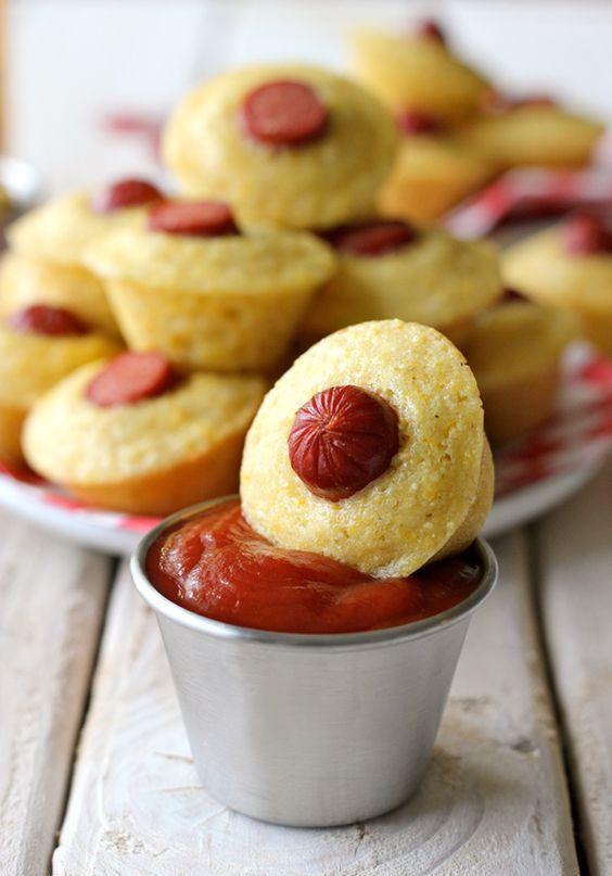 Corn Dog Mini Muffins   Recette   Hot-dogs, Tard dans la nuit et Casse ...