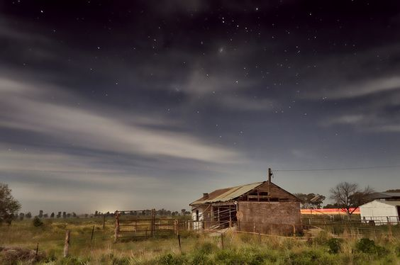 Farmhouse in the moonlight (via #spinpicks)