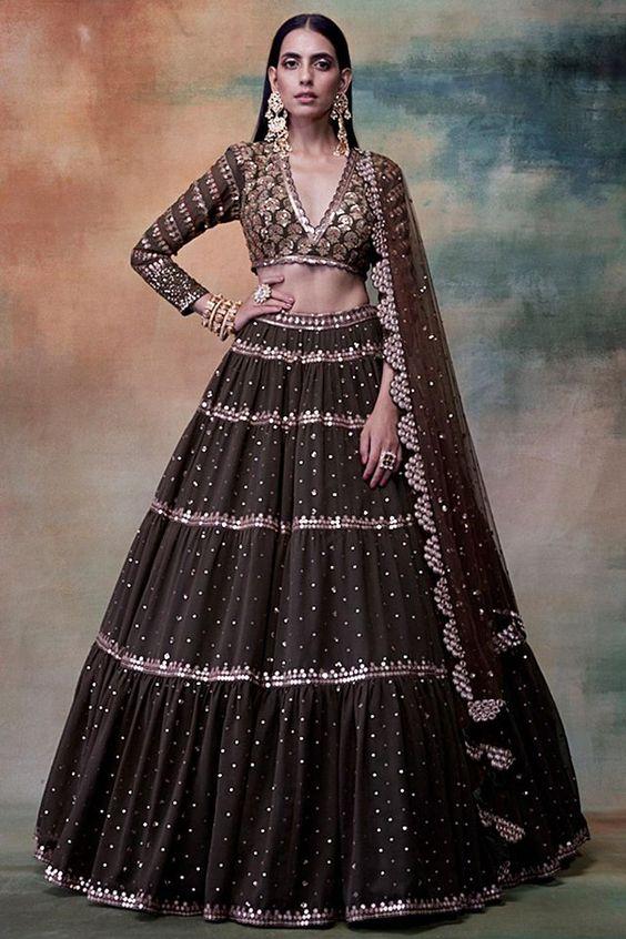 Extraordinary Bridal Lehenga Styles for your Exclusive Modern Wedding, 5d730c17c25d7843cb8aadcbfd785c9e
