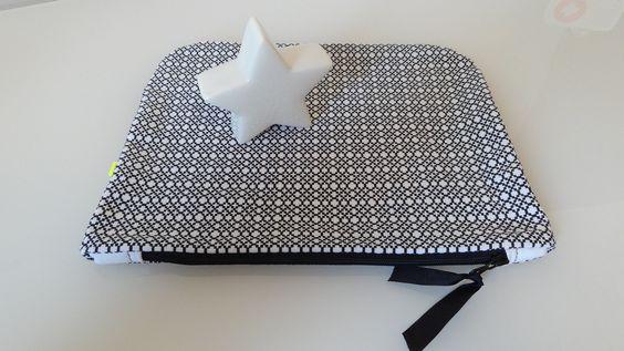 Grande pochette en coton Noir & Blanc - trousse de toilette : Trousses par alba-la-p-tite-fabrique