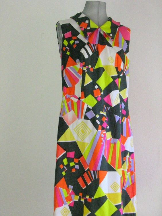 60s Vintage psychedelicgeometric dress by BILBOBABILO on Etsy, $35.00