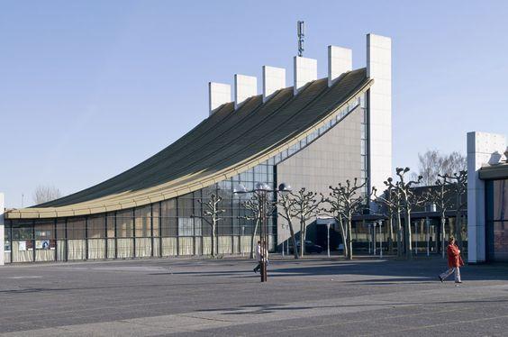 Die 60er - Eine Annäherung von Ingeborg Flagge - M:AI Museum für Architektur und Ingenieurkunst NRW
