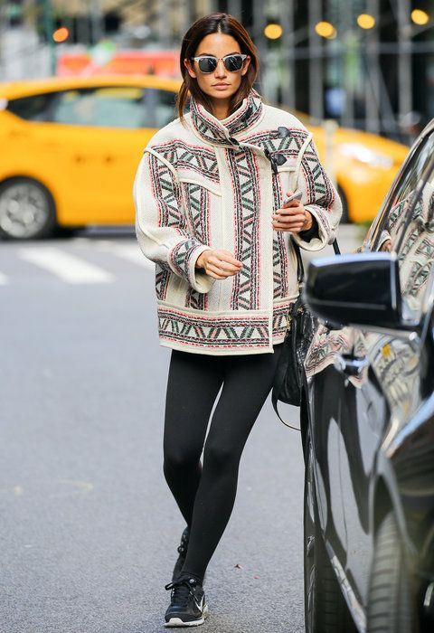 nana tome 21 - How to Wear Leggings Like a Celebrity | Lily Aldridge, How To Wear ...