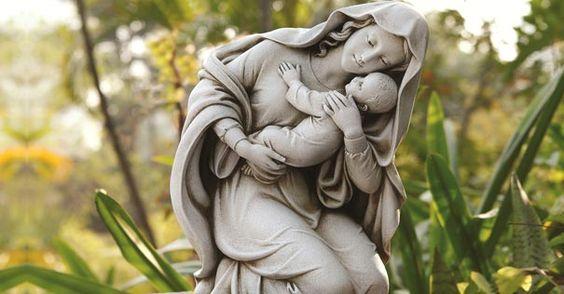 Satanás odia a la Santísima Virgen Maria. De hecho, ha estado haciendo todo lo que está en su poder para desmotivar la devoción hacia ella