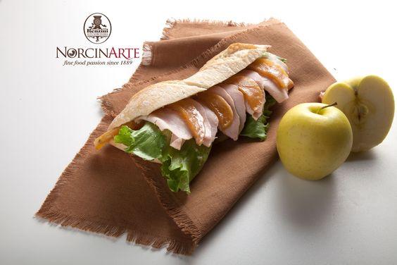 Panino con insalata, mela e fesa di tacchino #renzini #norcinerie