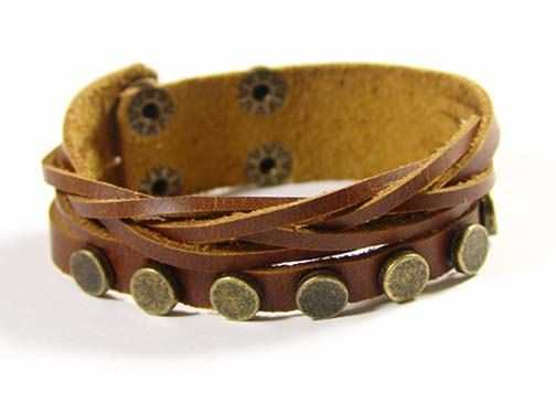 The bracelet fits for a size approx 16cm x 21cm (approx 6.3 x 8.4) wrist.  The leather width measures approx 0.7cm (approx 0.3).  It closes with