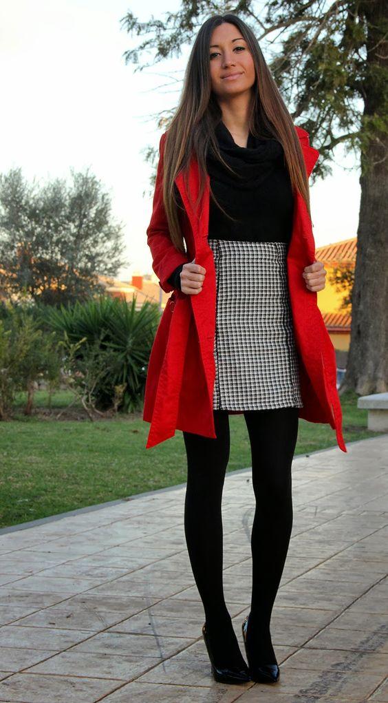 Look con gabardina roja de bershka falda pata de gallo jersey zara zapatos zara bufanda ...