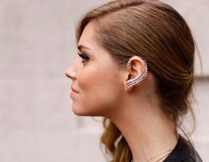 Ear curl