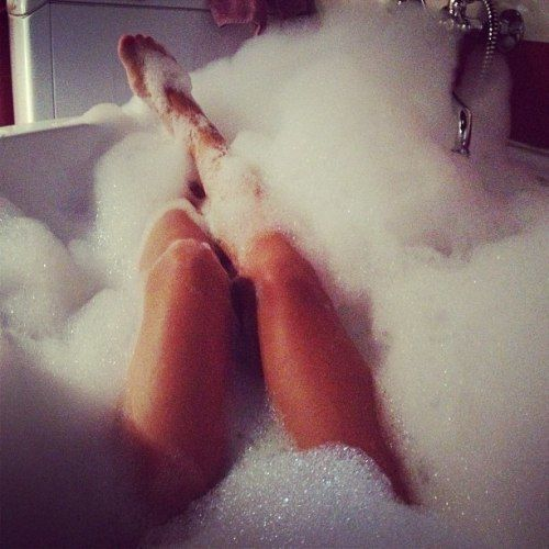 i love seeing pretty feet rising from the bath tub and a