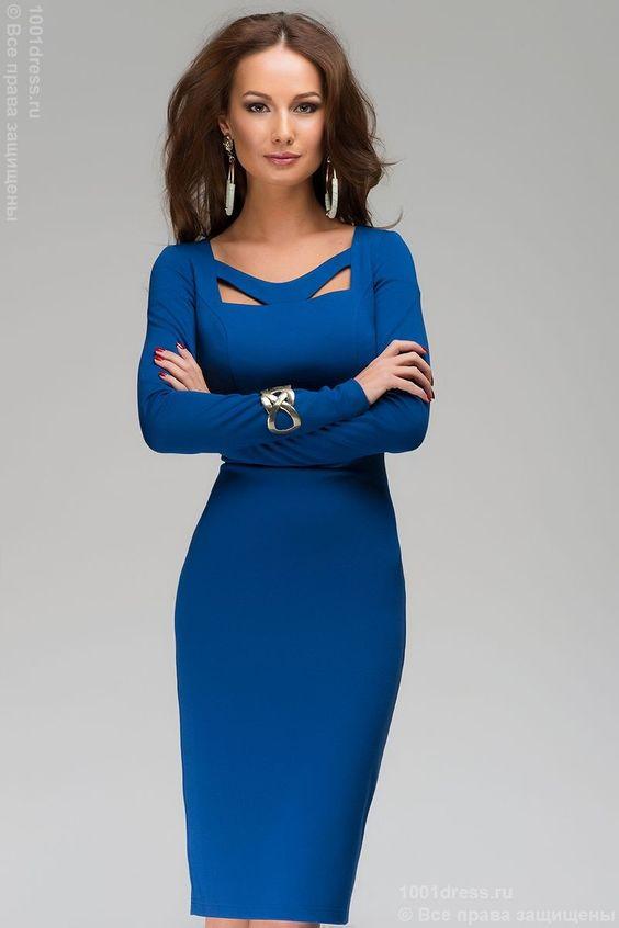 Платье-футляр васильковое с оригинальным вырезом , синий в интернет магазине Платья для самых красивых 1001dress.Ru