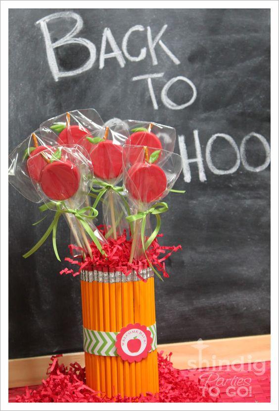 Teacher's Oreo Apple Pops: Apple Oreo, Teachers Gift, Diy Gift, Teacher Gift