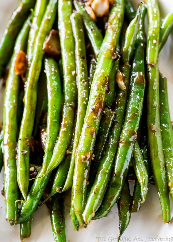 Heavenly Green Beans - this Asian inspired sauce will make you beg for more…