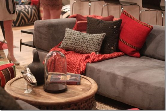 Best Gray Couch Red Pillows Neutral Rug Colors For Living 400 x 300