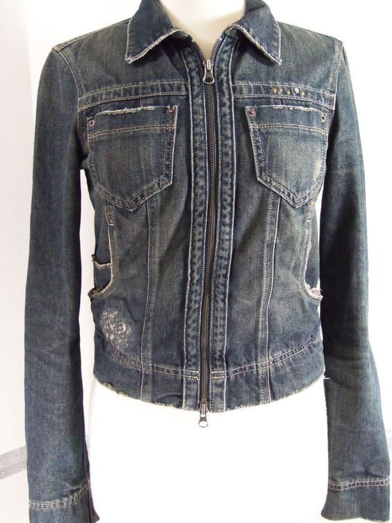 Calvin Klein Jeans Distressed jean jacket metal zip size small #CalvinKlein #JeanJacket