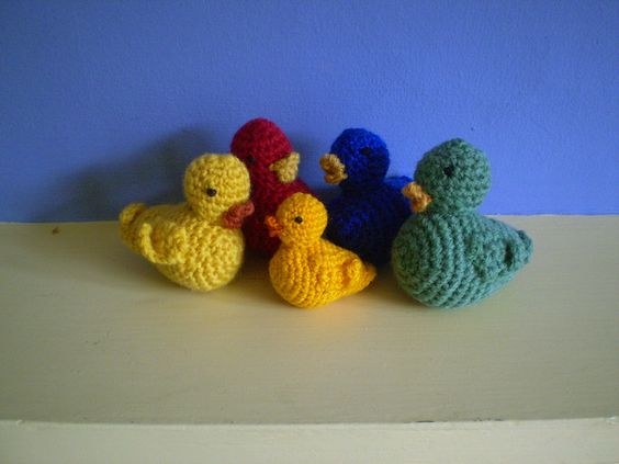 Crochet ducks. Free pattern.