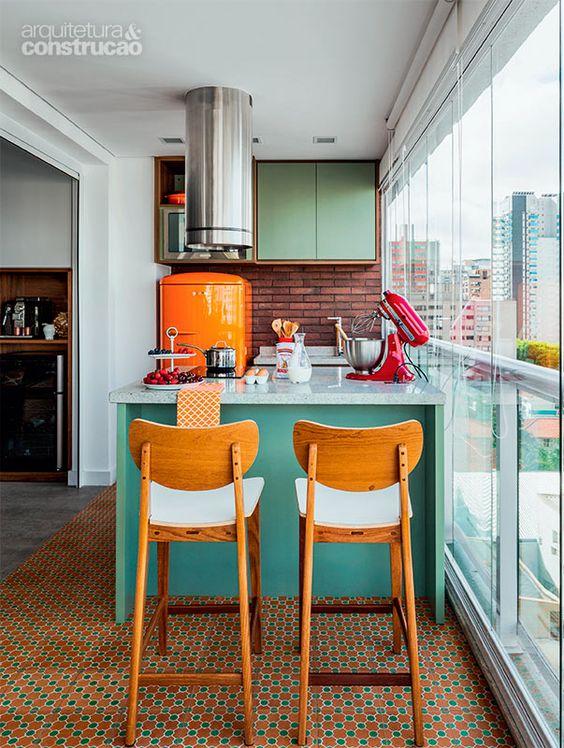 Varanda de apartamento de 38 m² vai parar na cozinha - Casa: