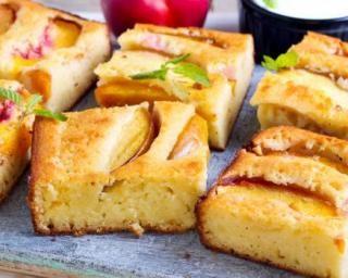Gâteau allégé de polenta sucrée aux pêches : http://www.fourchette-et-bikini.fr/recettes/recettes-minceur/gateau-allege-de-polenta-sucree-aux-peches.html