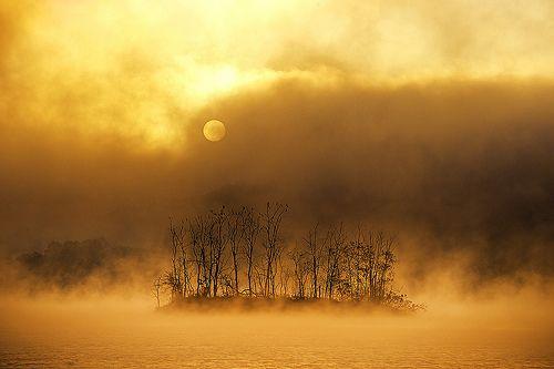 Korea is a beautiful country (by chunwoo)  Source: Flickr / chunwoo