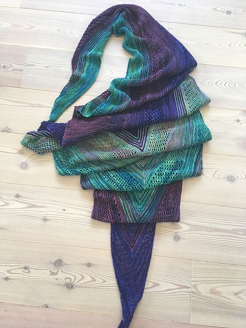 Find Your Fade by Andrea Mowry | malabrigo Sock in dewberry, Indiecita, Solis and Abril