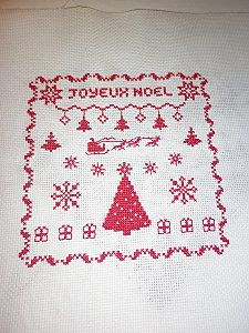 Christmas cross stitch  I think I'll use this chart for filet crochet!