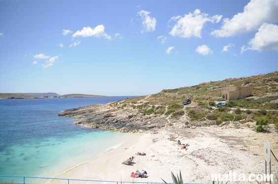 beach-of-hondoq-bay-gozo.jpg 800×531 pixels