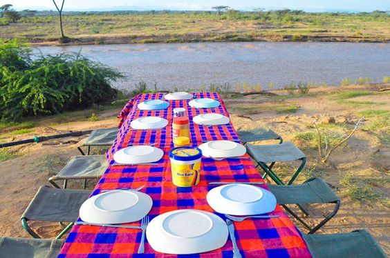 Breakfast at Archer's Post by the shores of Ewaso Nyiro. The view  smells and sound of the running water was so calming.  Made the food taste 100 times better   _________________________  #Foodieskenya #TembeaKenya #FoodiesKe #Breakfast #Foodpics #Foodporn #Kenya #instaKenya