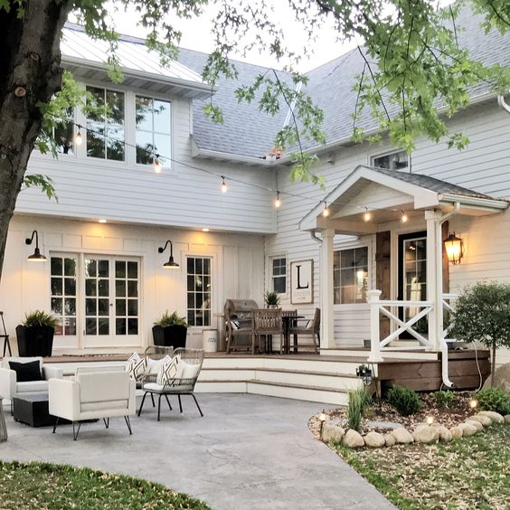 Great Farmhouse Outdoor Space