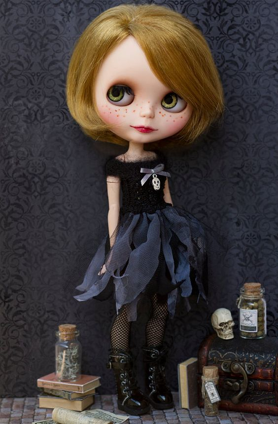 Blythe Halloween dress # Blythe black dress                                                                                                                                                                                 Mais: