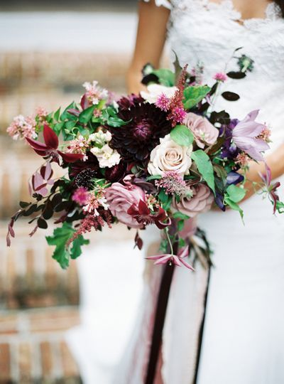 Romantic garden style bouquet in rich hues. #berry #bridal #bouquet #wedding #flowers