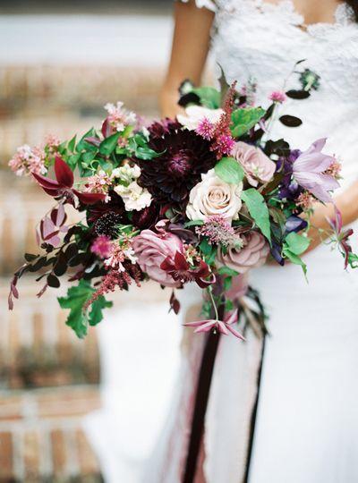 Romantic garden style bouquet in rich hues. #berry #bridal #bouquet #wedding #flowers