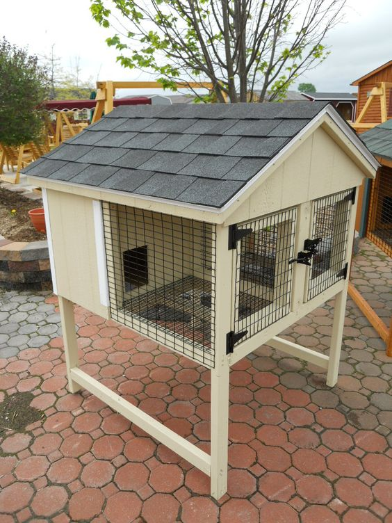 Double 4 x 4 Rabbit Hutch. @kayestodo I like this as a rabbit hutch, but instead of the shingles, use just some old tin. :)