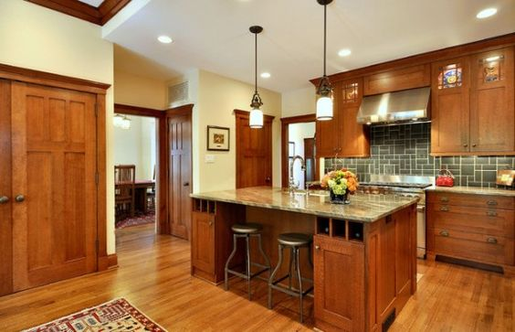 Paint colors for honey oak trim mission style kitchen for White kitchen cabinets with oak trim