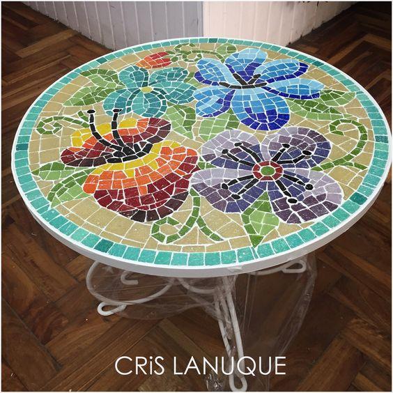 Mesa de hierro para exterior revestida en mosaico for Mosaicos para exterior