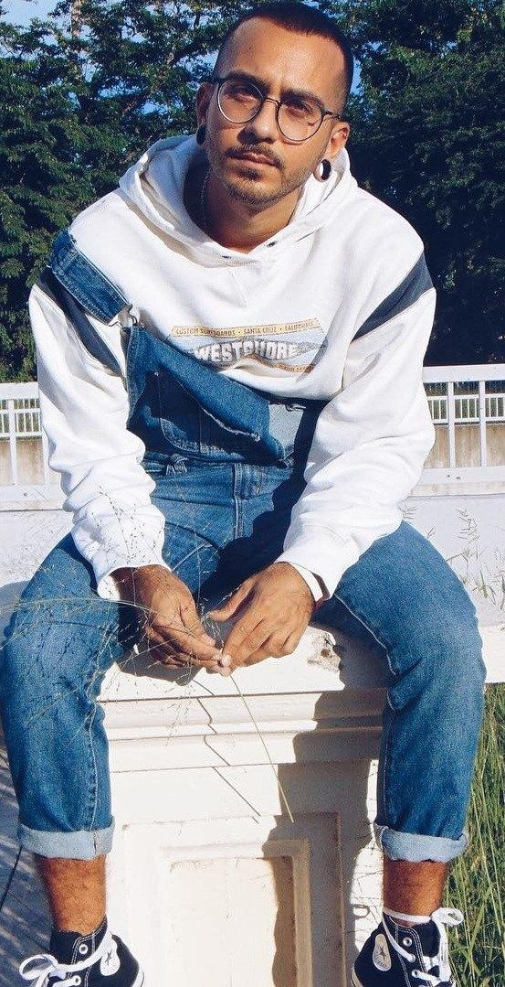How To Style Dungarees The Right Ways 80s Fashion Men Simple Trendy Outfits Mens 80s Outfits