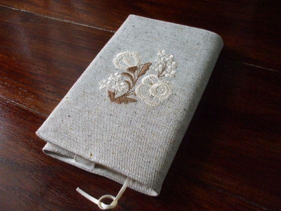 花刺繍の新書本ブックカバー ベージュ