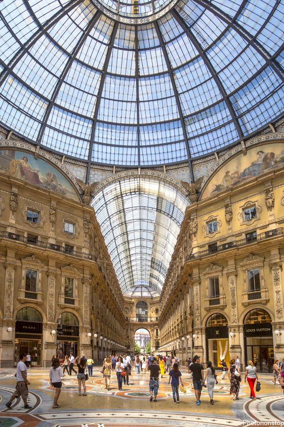 Culture et shopping à Milan - Galleria Vittorio Emanuele II, Milan, Italie