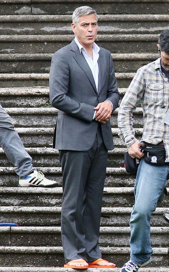 Peut-on porter des tongs comme George Clooney ?