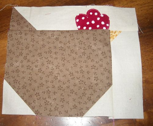 chicken quilt block tutorial #8 by vickivictoria, see separate pin for potholder from the same pattern.