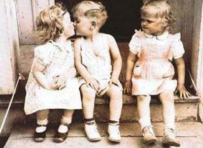 V'è una passione profondamente radicata nella sessualità, e che è esasperata dall'età: la gelosia. (Simone de Beauvoir)