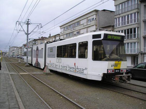 Kusttram (Coastal tram), tram stop Henegouwenstraat in Ostend.